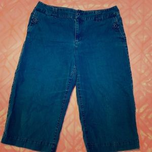 Cato Blue Jean Cropped Pants Size 14